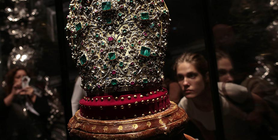 The mitre of San Gennaro is made up of 3,300 diamonds and hundreds of rubies and emeralds.